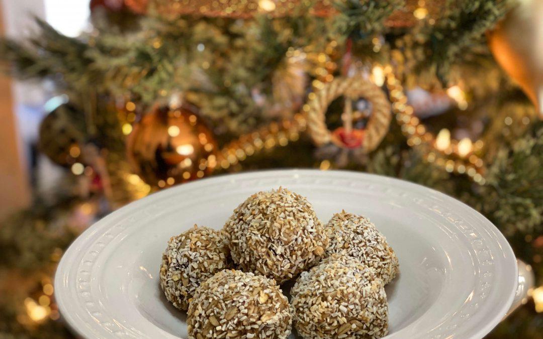 Coconut oatmeal energy balls
